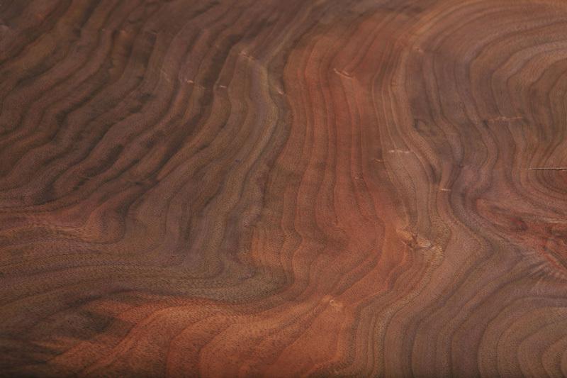 vân gỗ óc chó dạng gợn sóng