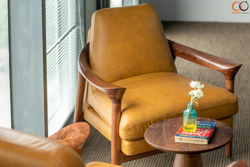 ghế armchair bằng gỗ óc chó