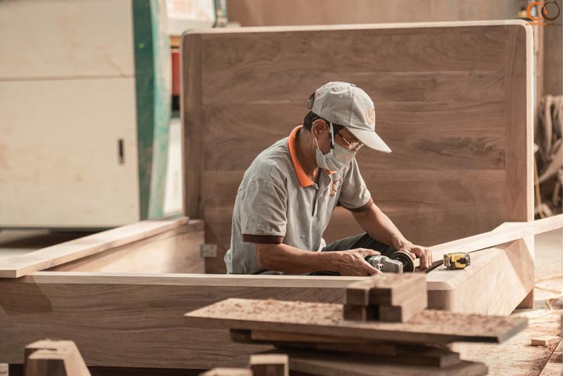 xử lý, chế tác gỗ óc chó