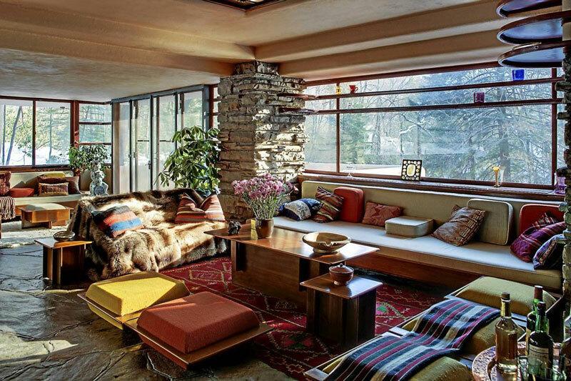 Nội thất bên trong biệt thự Fallingwater do Wright thiết kế.