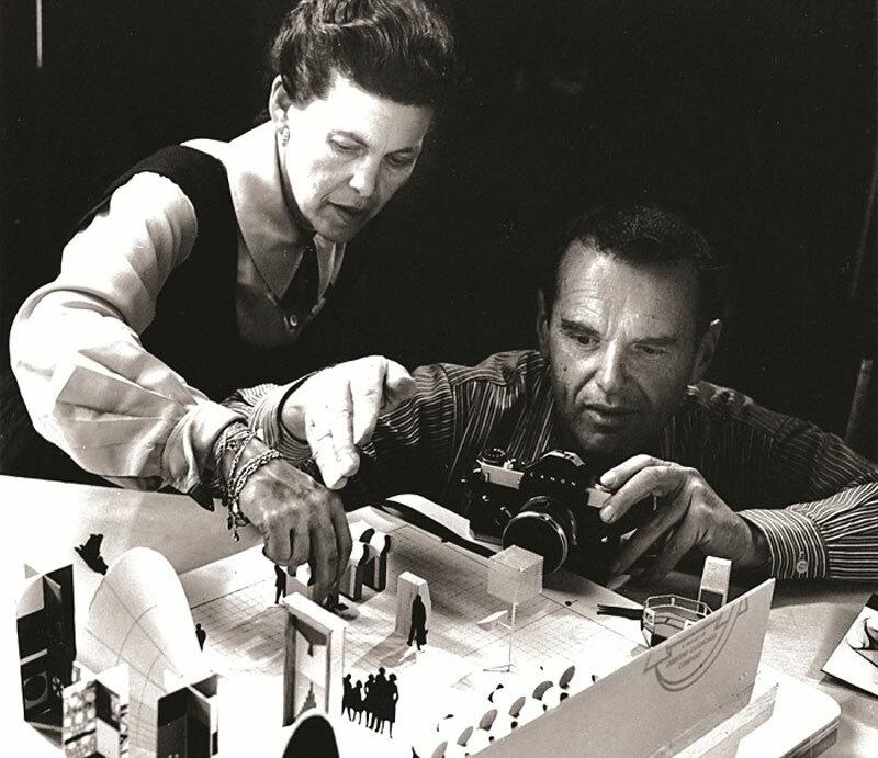Vợ chồng nhà thiết kế Charles và Ray Eames.
