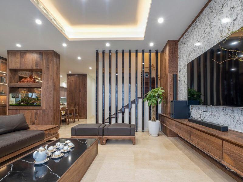 không gian phòng khách bằng gỗ óc chó