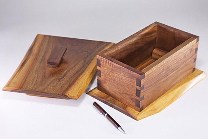 Hộp quà làm từ gỗ óc chó