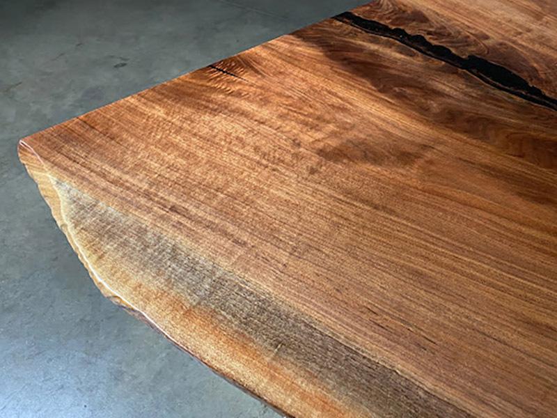 Màu sắc của gỗ óc chó Bắc Mỹ