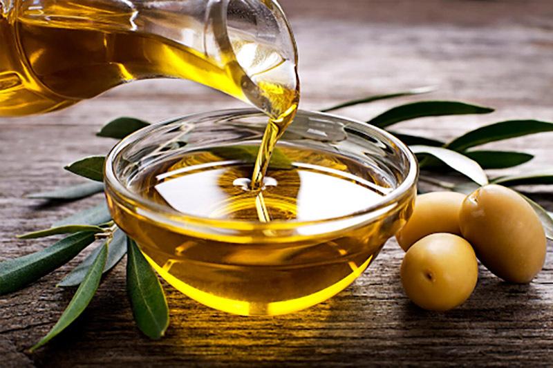 Dùng dầu ô liu xử lý vết xước